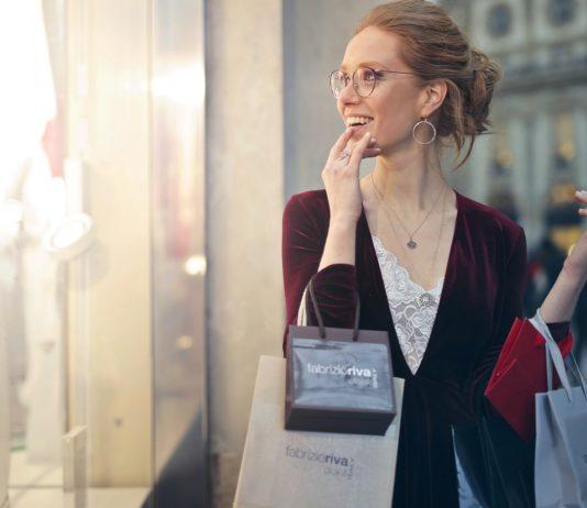 Cách mua sắm quần áo thông minh