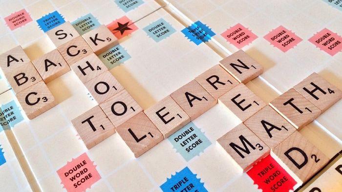 Việc luyện TOEIC trên các app có sẵn giúp bạn chủ động trong việc tiếp thu kiến thức