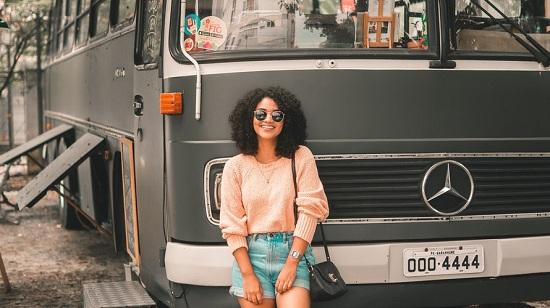 Đi xe buýt giúp tiết kiệm chi phí đi du lịch