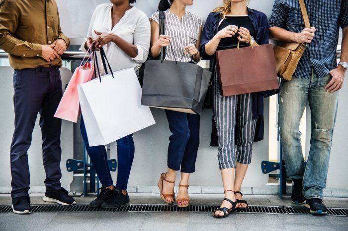 Cách mua quần áo tiết kiệm