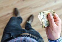 Đàn ông Hà Nội dành khoảng 20 triệu đồng để chi tiêu Tết