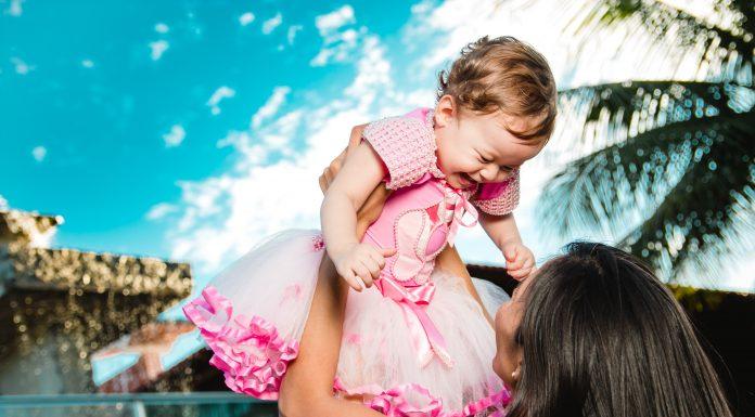 7 công việc tại nhà giúp mẹ đơn thân kiếm tiền nuôi con