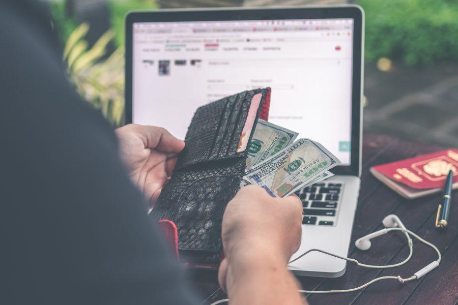 Tiết kiệm tiền sinh hoạt nhờ biết tận dụng Internet