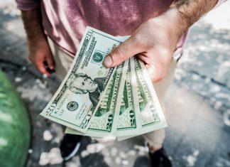 4 trường hợp nhất định nên từ chối khi người thân, bạn bè vay tiền