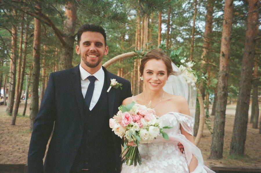 Bật mí 10 bí quyết giúp tiết kiệm chi phí mua váy cưới