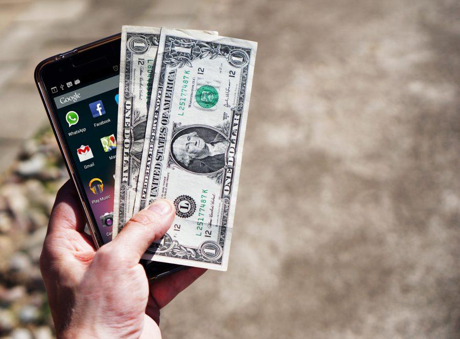 Chuyên gia: Đừng để số tiền trả nợ/ thu nhập hàng tháng quá 60%