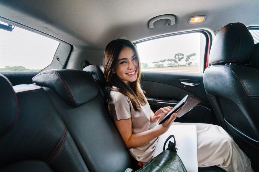 Thu nhập 20 triệu: Vợ chồng lái ô tô đi làm, vẫn cất két 5 triệu/tháng