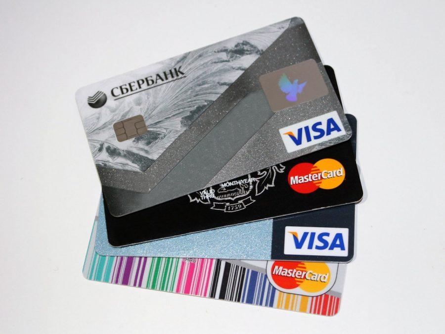 Hạn mức thẻ dưới 50% thu nhập hàng tháng